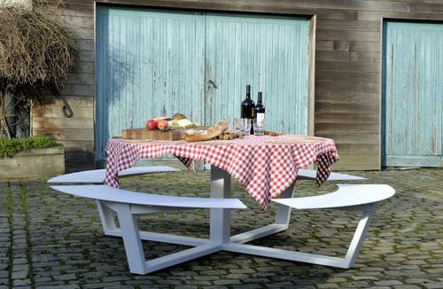 table de pique-nique contemporaine / en acier / en aluminium / ronde