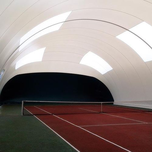 structure gonflable pour terrain de tennis
