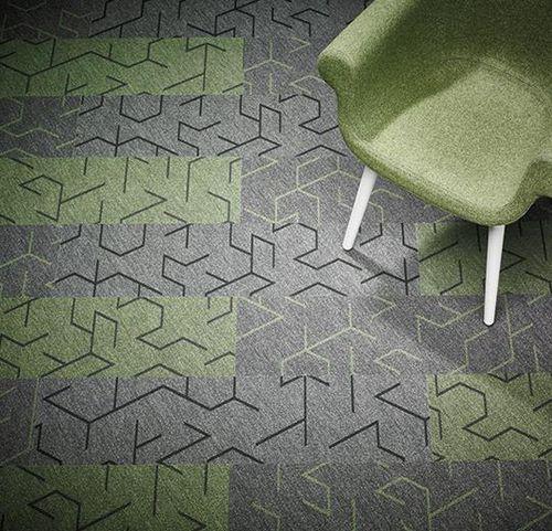 revêtement de sol en textile / pour le tertiaire / en dalles / à relief