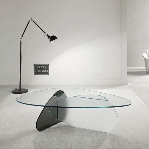 table basse contemporaine / en verre / triangulaire / par Karim Rashid