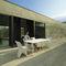 table contemporaine / en polyéthylène / rectangulaire / de jardin