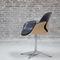 chaise design scandinave / pivotante / tapissée / avec accoudoirs