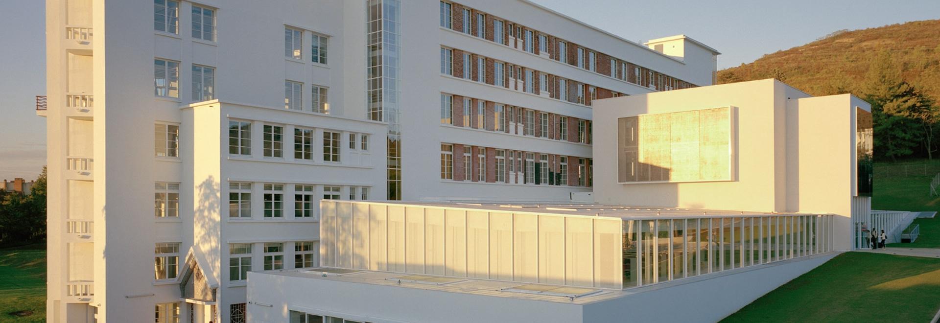École D Architecture Clermont du besset-lyon transforme l'ancien sanatorium en école de
