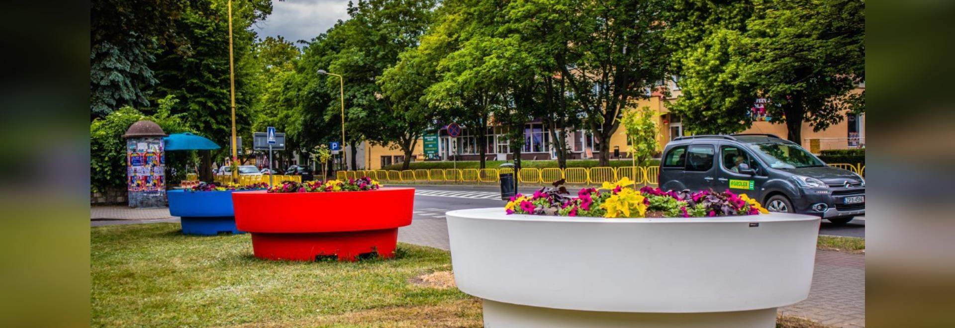 Grands pots de fleurs Gianto / avec un siège / TerraFormdeisgn.eu