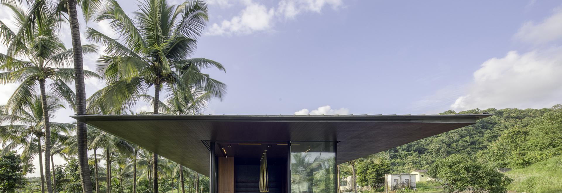 Maison Parikrama / SPASM Design Architects