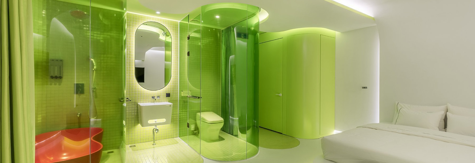 La suite vert citron de SML ressemble à une cabine futuriste de vaisseau spatial