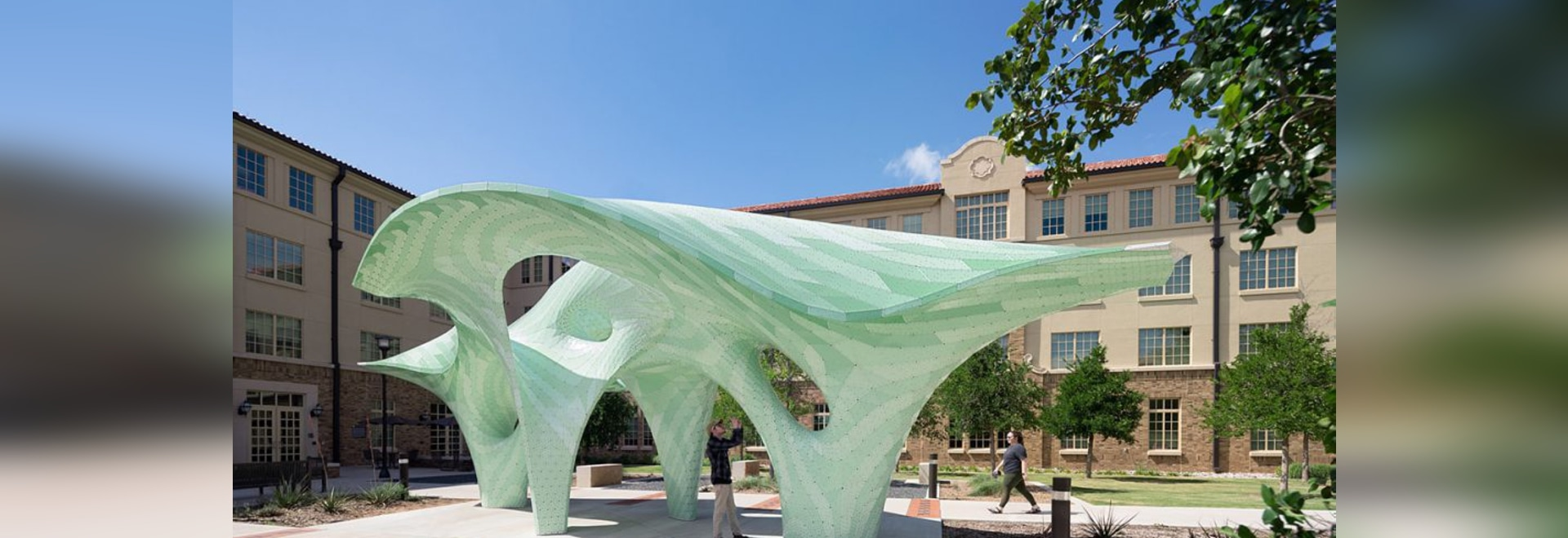 La Texas Tech University a une nouvelle sculpture publique par Marc Fornes