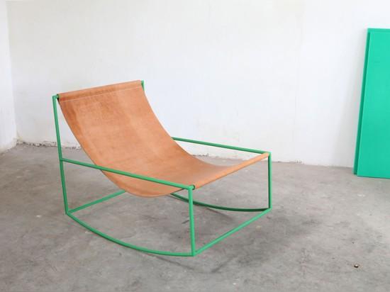 Première chaise de basculage par Muller van Severen