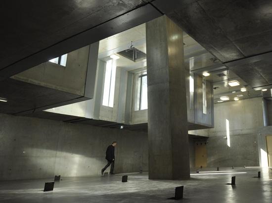 MAISON DE LA COMMUNAUTÉ DE LORIENT PAR JEAN DE GIACINTO ARCHITECTURE ET ARCHITECTURE DE DUNCAN LEWIS SCAPE