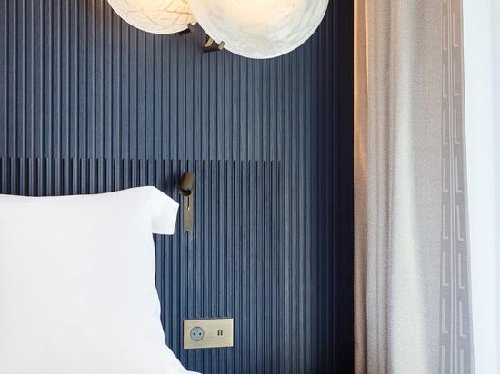 Un nouveau projet iconique pour le contrat de Lema qui s'est déconnecté l'ameublement des salles à l'hôtel de luxe parisien historique Lutetia, qui a été complètement rénové après un projet par Jea...