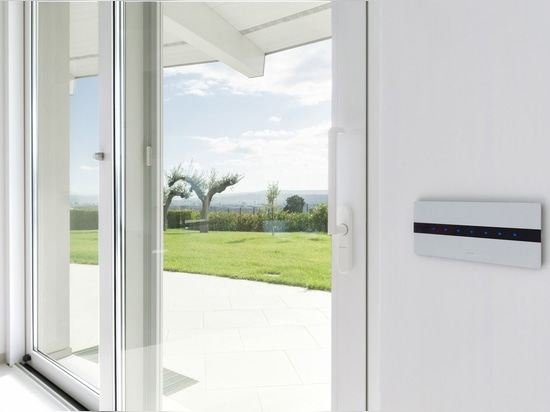 Villa de domotique d'avenue : l'élégance technologique de l'aluminium