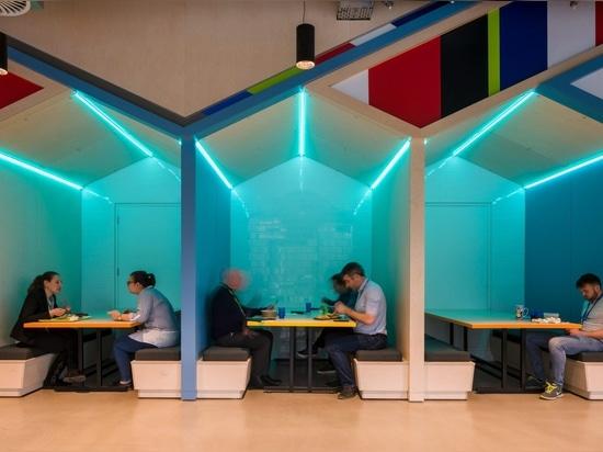 Gensler et architectes de RKD créent la cascade numérique pour le QG de Microsoft Irlande