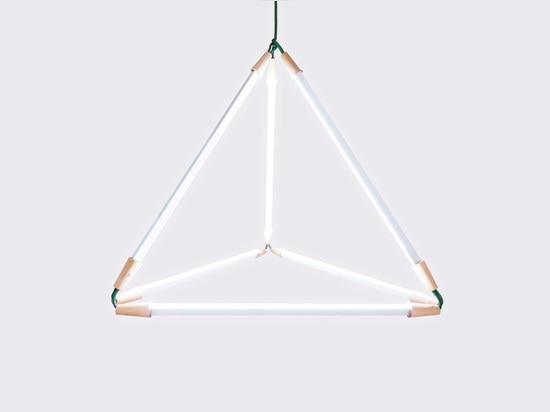 Transforme légèrement la technologie de LED en expression simplement de la géométrie.