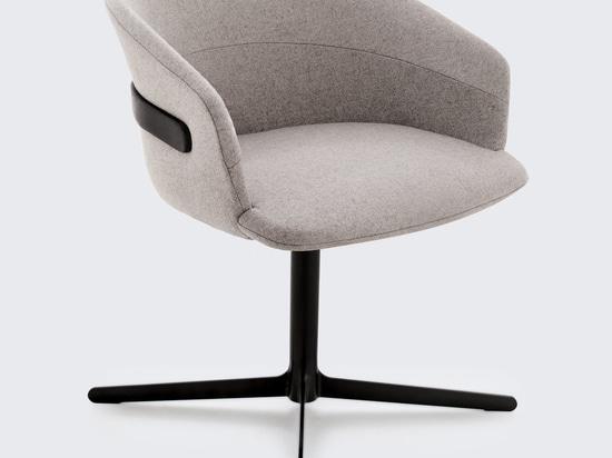 Claesson Koivisto Rune conçoit la collection de chaises Clip pour Studio TK