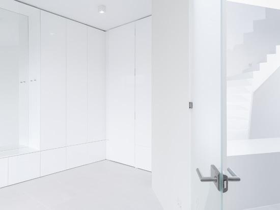 Total White : les projets de Glória Papp