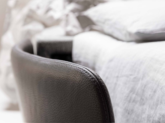 Canapé-lit Marky avec accoudoirs modernes