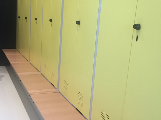 Armoires de vestiaires pour le personnel