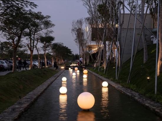 Les matériaux modulaires constituent un restaurant écologique à Taïwan