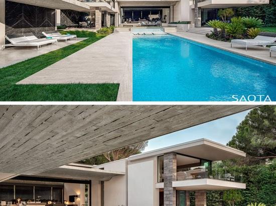 Cette nouvelle maison en France a un plafond en béton ondulé