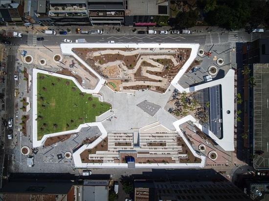 L'enterrement d'un parking crée un espace ouvert très nécessaire dans la Prahran de Melbourne