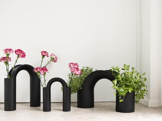 Une collection de vases inspirée du pont par Mario Alessiani pour XLBoom