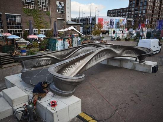 Le premier pont métallique imprimé en 3D au monde