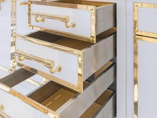 Projet de cuisine Officine Gullo Signal White & Polished Brass