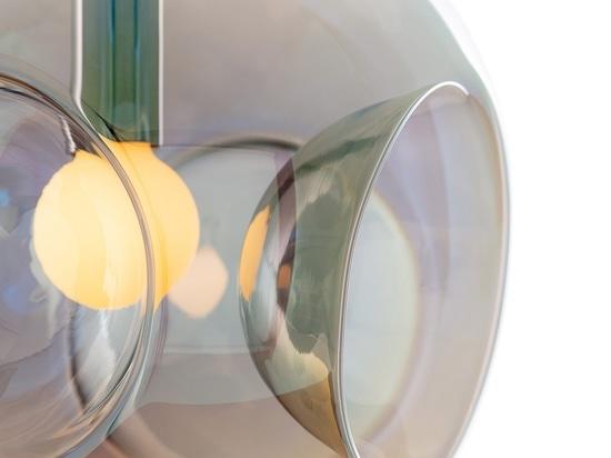Globe Metro light par Cyril Dunděra pour Lasvit
