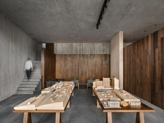 L'architecte Manuel Cervantes nous invite dans son quartier général