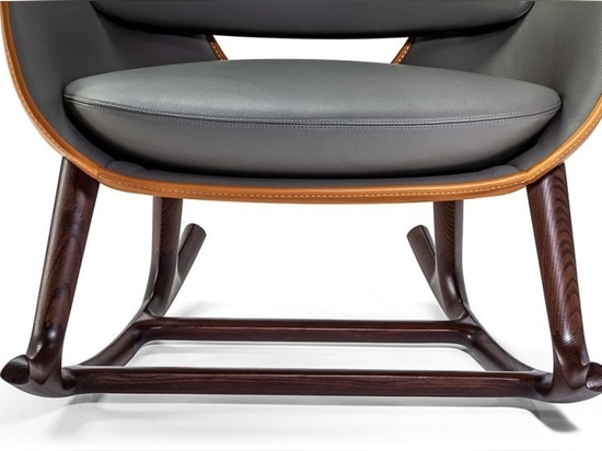 La chaise berçante moderne et légère nommée Martha