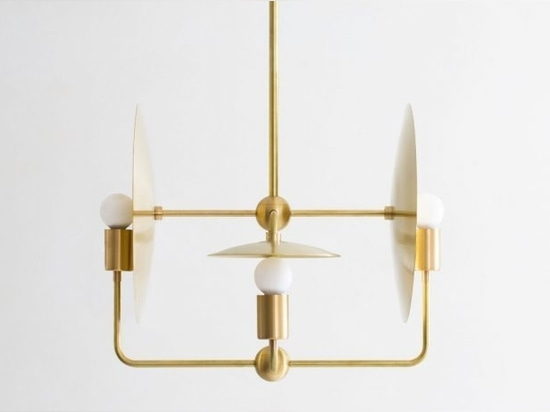Le lustre orbital minimaliste de Workstead