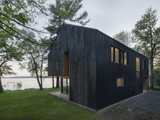 Cabane de Lakeside / ATELIER SCHWIMMER
