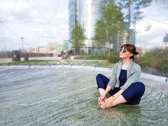 L'espace public organisera quatre ateliers différents ? durant 15 minutes chacune et s'ouvrent à un maximum de 15 à 20 personnes à la fois ? cela incluent des exercices de méditation et une expérie...