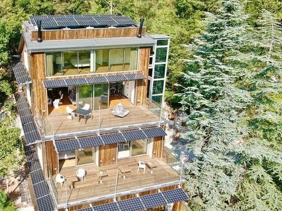 La forestale est un écolodge de luxe immergé dans le paysage italien