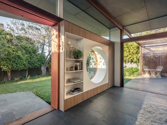 Les cercles sont un thème de conception que l'on retrouve dans l'ajout de cette maison