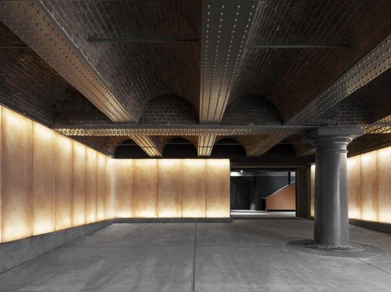Nouvelle galerie d'expositions spéciales / Carmody Groarke