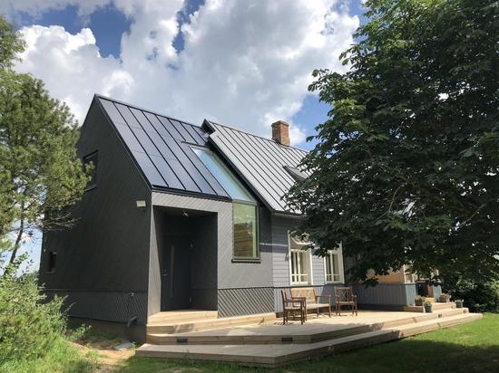 Q&R : La version européenne de Tesla, le nouveau toit solaire cliquable de Roofit.solar