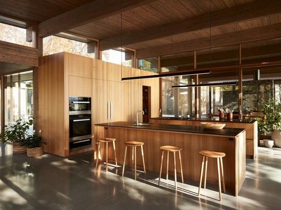 Une cuisine avec deux îlots offre deux fois plus de surface de comptoir pour cuisiner sérieusement