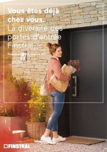 Vous êtes déjà chez vous. La diversité des portes d'entrée Finstral. Toujours singulière, toujours sûre.