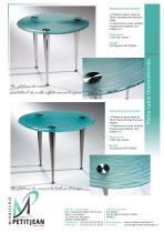 Petites tables en verre thermoformé - 1